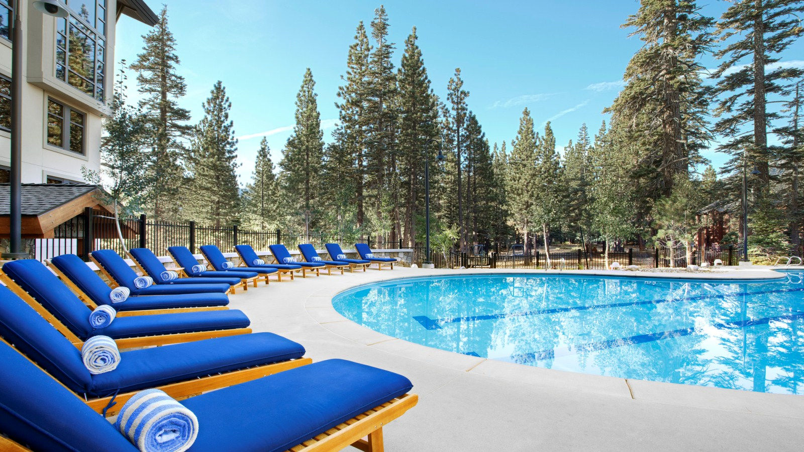 Mammoth Resort Amenities - Hotel Pool