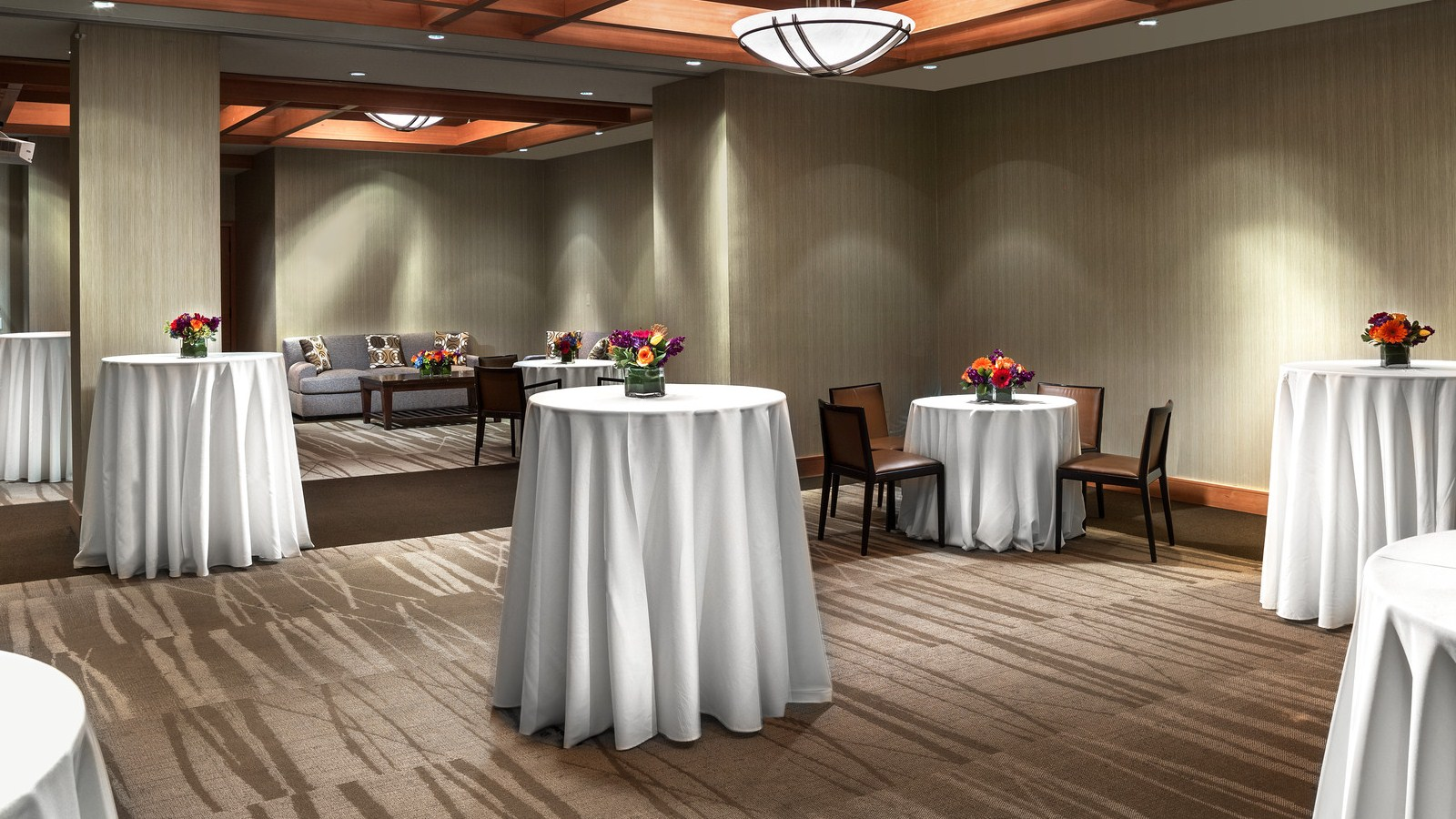 Pre-Function Space - Mammoth Lakes Meeting Space